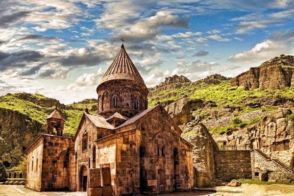 Armenia Tourism Magazine  14  2016  issuucom